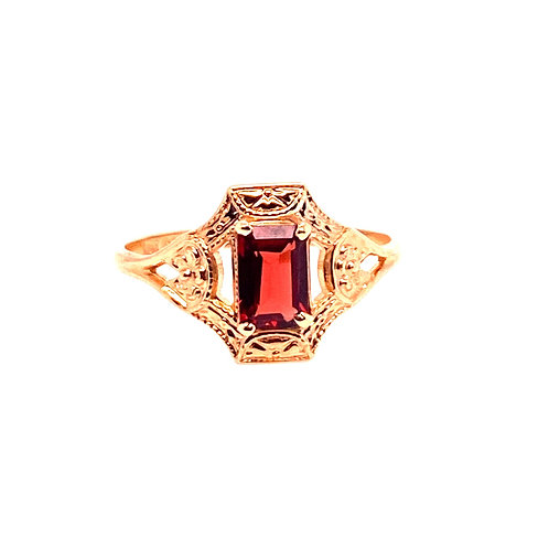 Estate 10kt Yellow Gold Rectangle Garnet Ring
