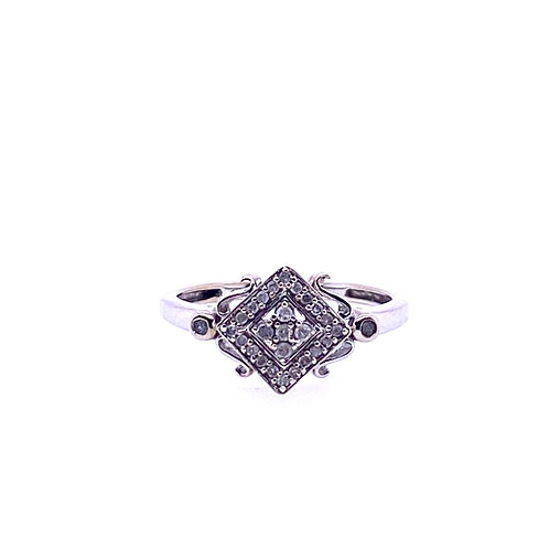 Estate 10kt White Gold Diamond Cluster Ring