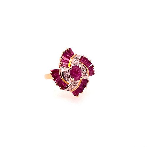 Estate 14kt Yellow Gold Ruby And Diamond Swirl Ring