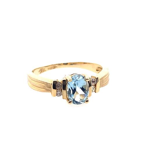 14kt Yellow Gold Aquamarine And Diamond Ring
