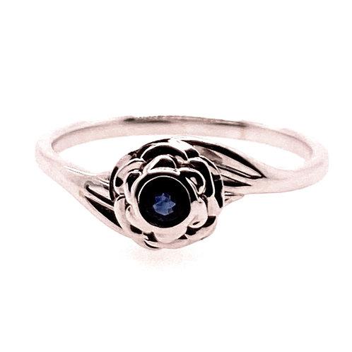 14kt White Gold Sapphire Flower Ring