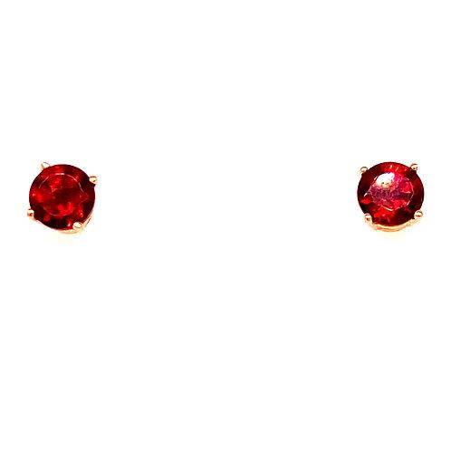 14kt Yellow Gold Garnet Stud Earrings