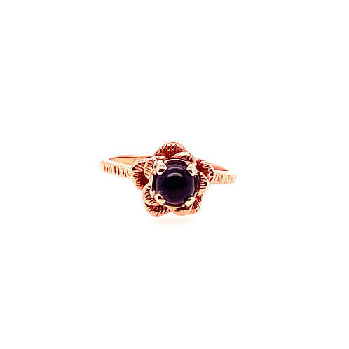 Estate 14kt Yellow Gold Amethyst Cabachon Flower Ring