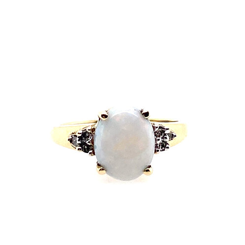 Estate 14kt Yellow Gold Opal And Diamond Ring