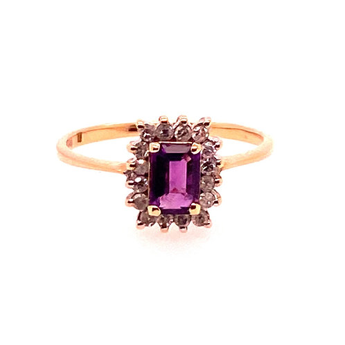 Estate 14kt Yellow Gold Emerald Cut Amethyst And Diamond Ring