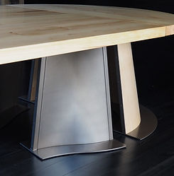 Different substrates on the one table that have been coated with Metalier Bronze