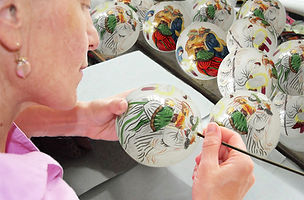 painting an ornament Russell_a.jpg