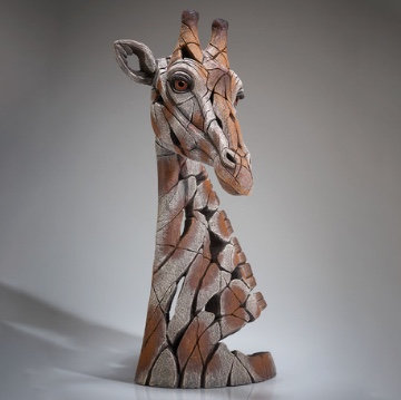 Giraffe - Edge Sculpture