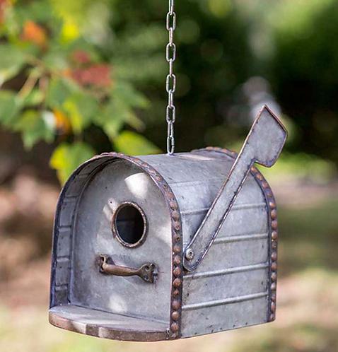 Metal Mailbox Birdhouse