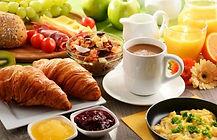 desayuno medio.jpg
