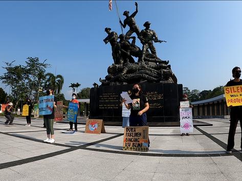 #Bangkit4Iklim: Die-in at the National Monument (Tugu Negara) during Global Climate Strike 2021