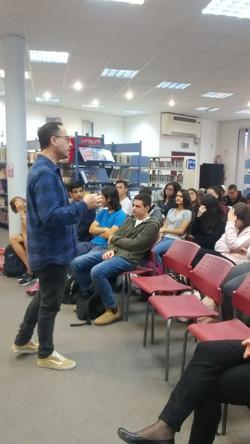 הסופר  סמי ברדוגו בגימנסיה