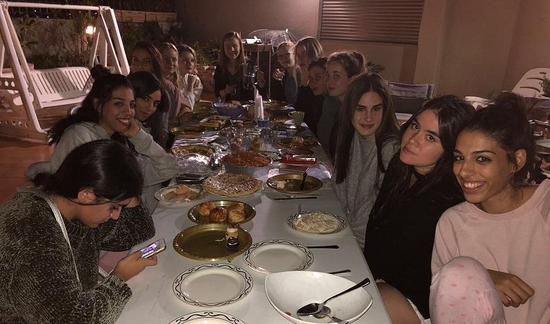 ארוחה משותפת אצל עדי ואופיר