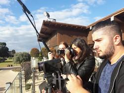תלמידי יב מצלמים בקיסריה