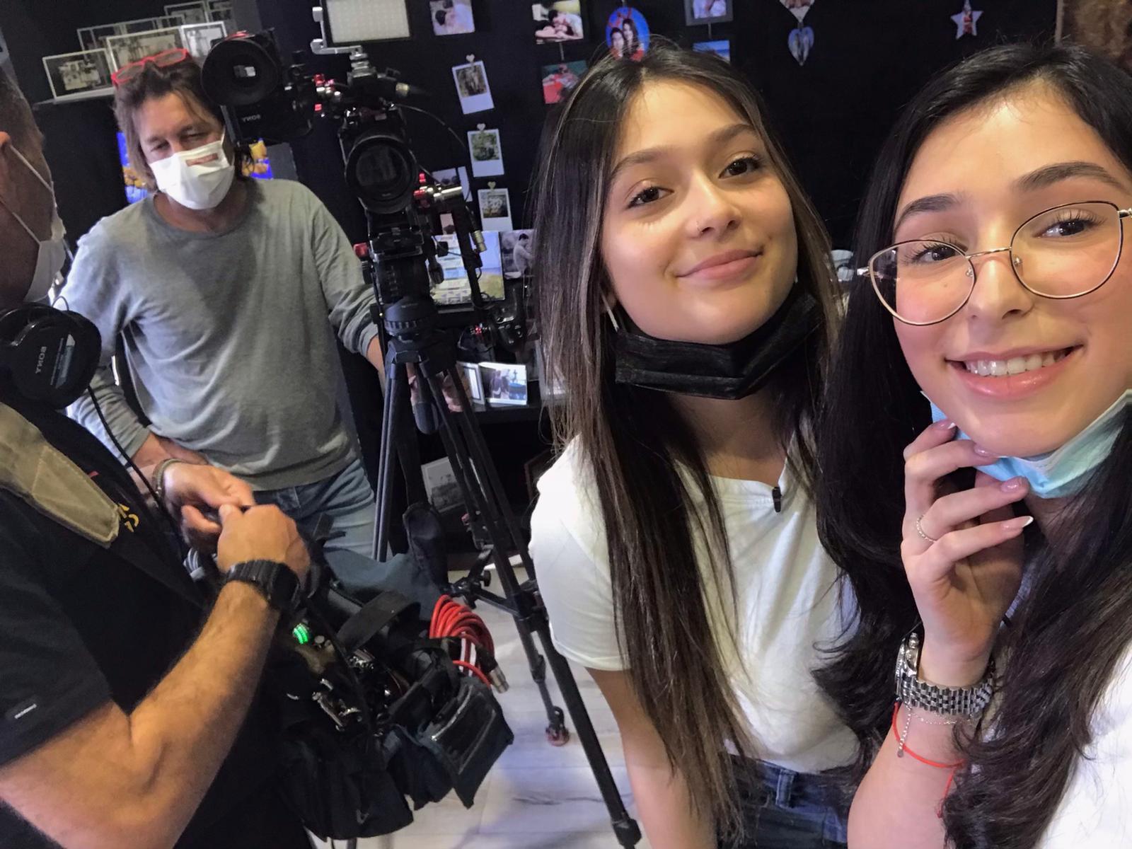 עם צוות הצילום