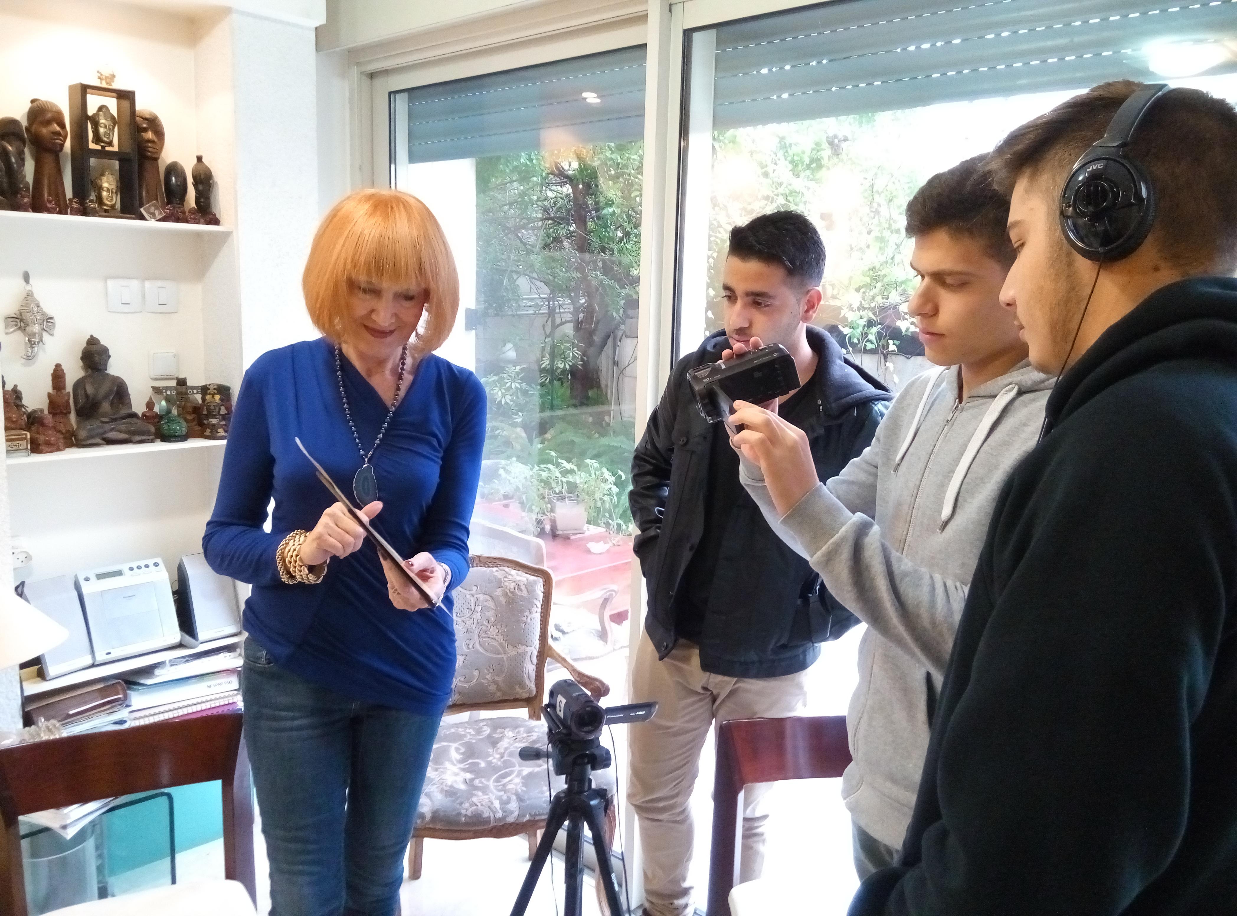 """תלמידי י""""ב מצלמים סרט גמר"""