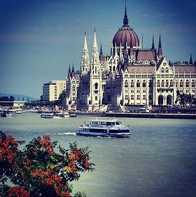 Hungarian Parliament building.jpg