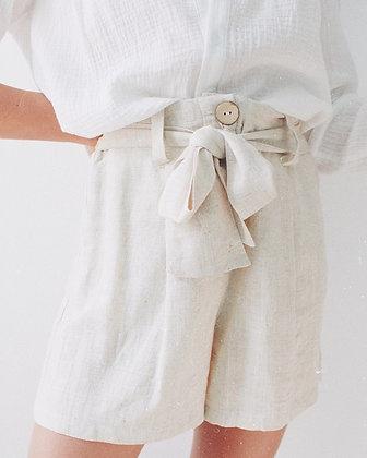 Short beige Freesia