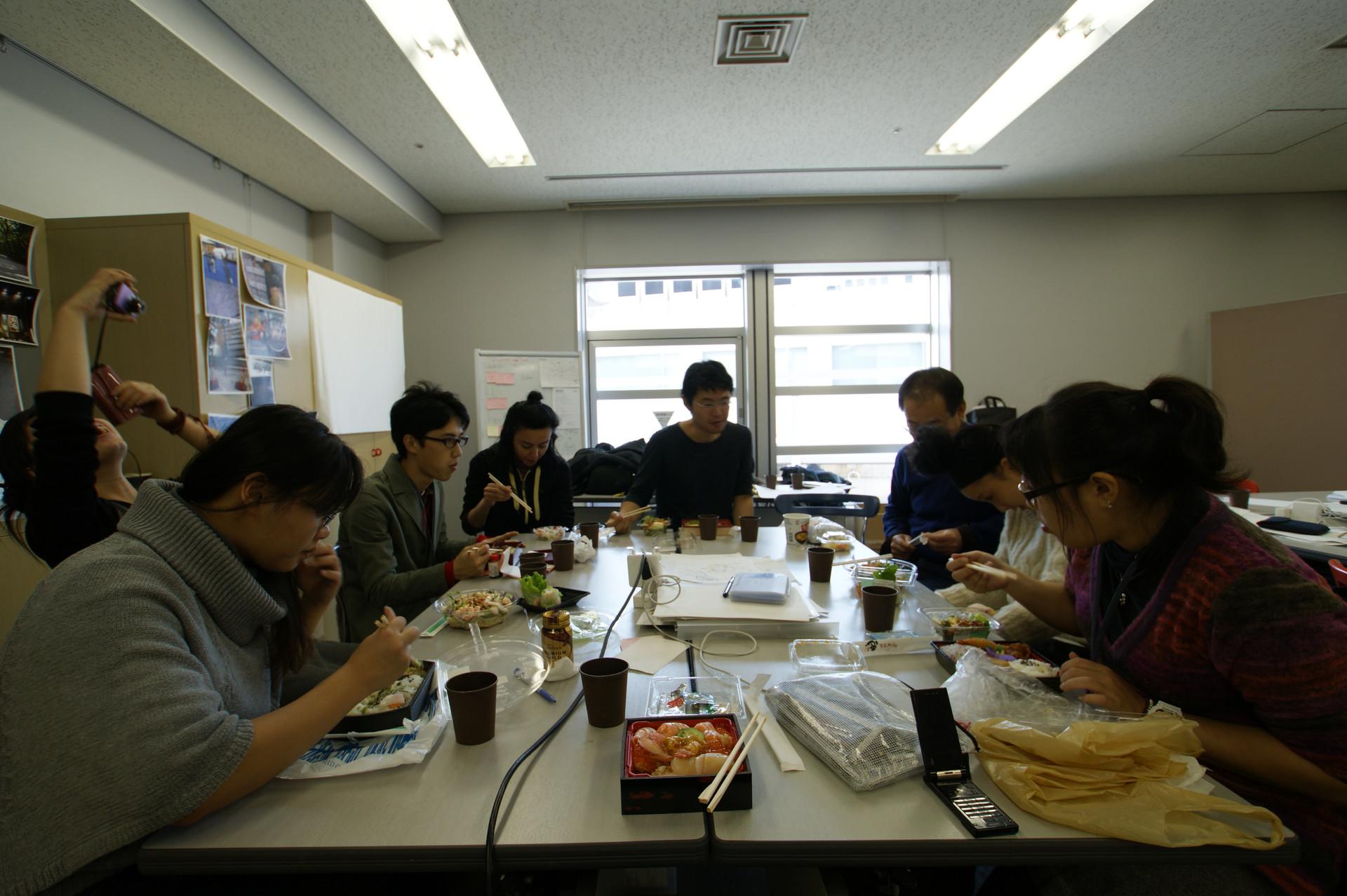 8-almorzando.JPG