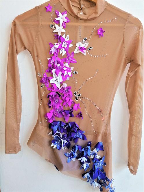 body cascata di fiori