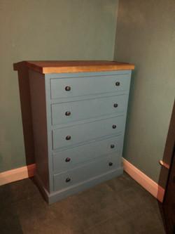 5 Drawer chest.JPG