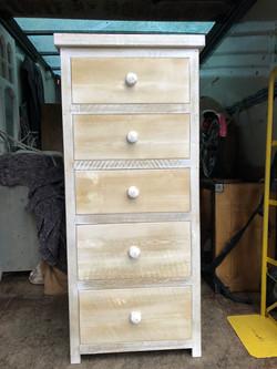 5 drawers chest.jpg