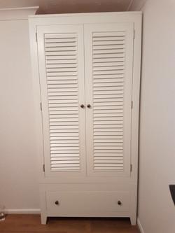 Two Door One Drawer Wardrobe