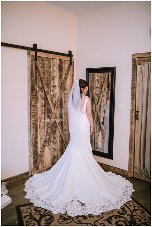 Kiely ready in bridal suite.jpg