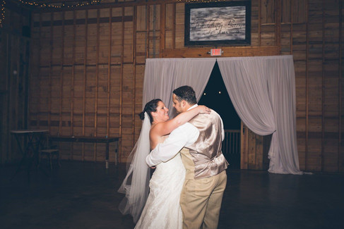 Last Dance |The Wedding Barn at L'Horne