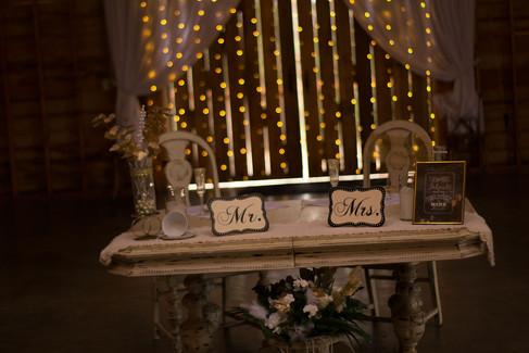 sweetheart-table.jpg