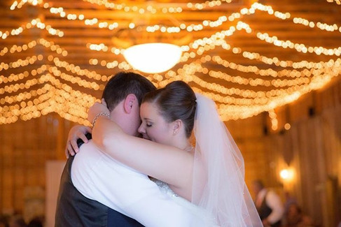 First Dance |The Wedding Barn at L'Horne