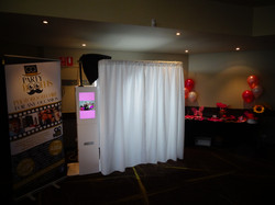 Booth with white curtains / external screen can have any colour