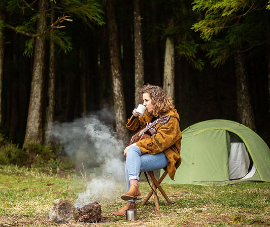 Sara-Cruz-guitar-coffee-and-nature_edite