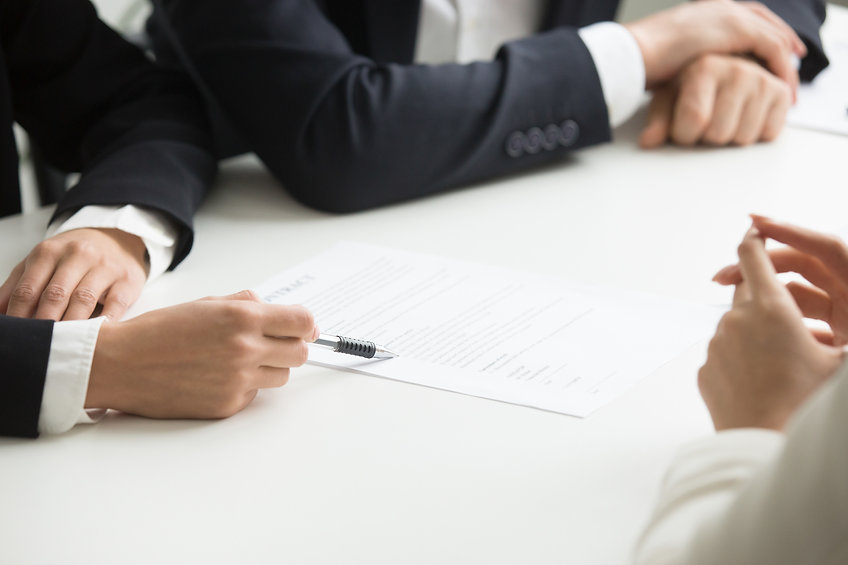 negotiations-about-contract-terms-concep