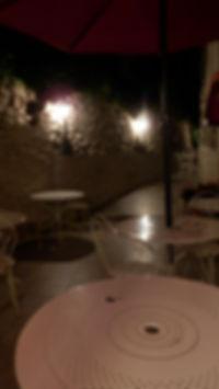 moment de détente et de tranquillité sur la terrasse à l'arrière de hotel U Palazzu Venavo Corte
