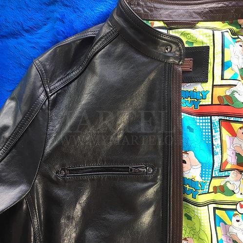 Кожаная мужская куртка с контрастной отделкой