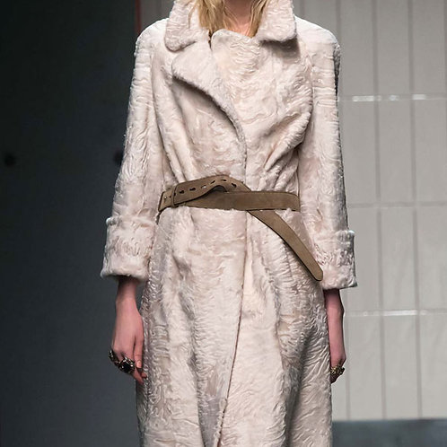 Пальто из меха каракуля Petaloso