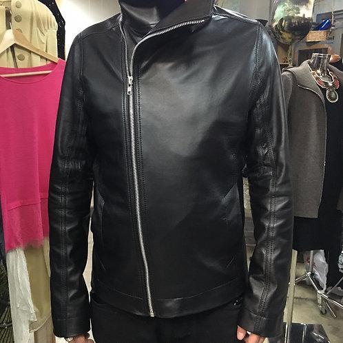Мужская черная куртка из натуральной кожи