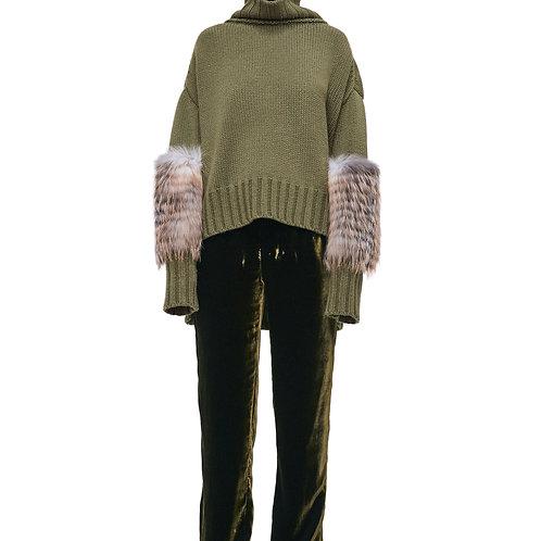 Шерстяной свитер с меховой отделкой