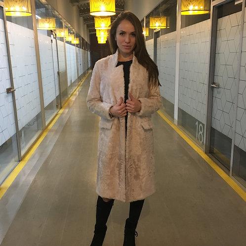 Пальто из меха козлика