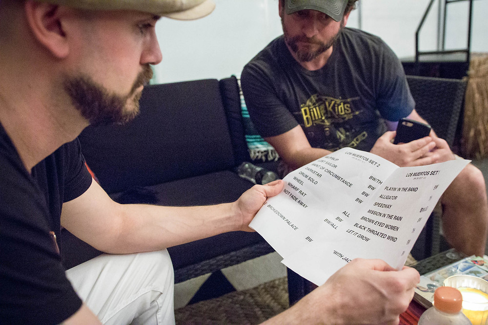Tom Looks Over Setlist for Final Performance 1.28.17