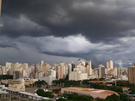 Belo Horizonte está tendo outubro mais chuvoso em 11 anos