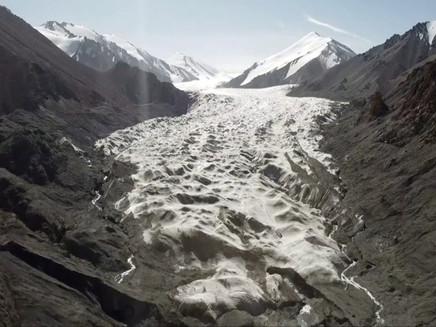 Mudança climática: as imagens impressionantes de geleiras derretendo na China