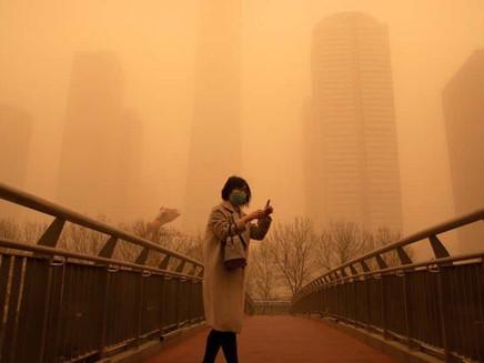 Pior tempestade de areia da década atinge a China