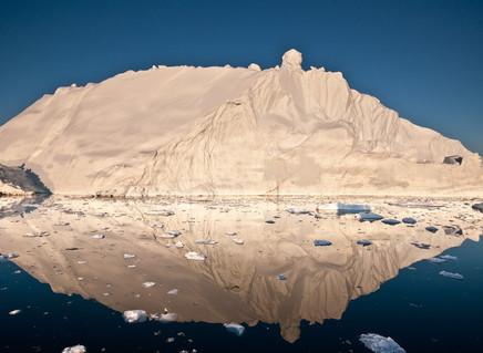 Derretimento de gelo na Groenlândia atingiu ponto irreversível, diz estudo