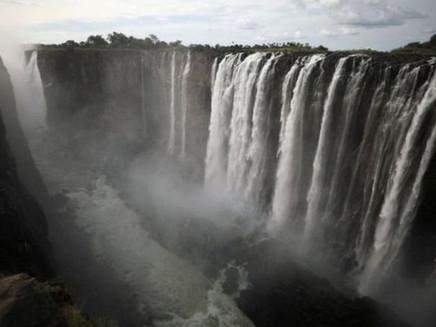 Cataratas de Vitória: como uma das maiores quedas d'água do mundo secou