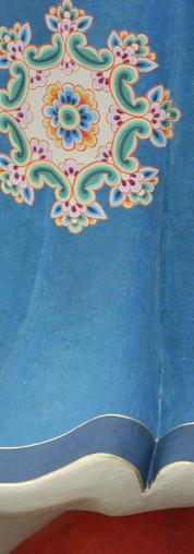 吽形ー裳裾