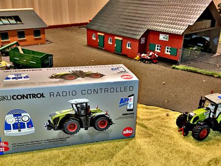 Der neue Siku Control Claas Xerion 5000 TRAC VC ist da!