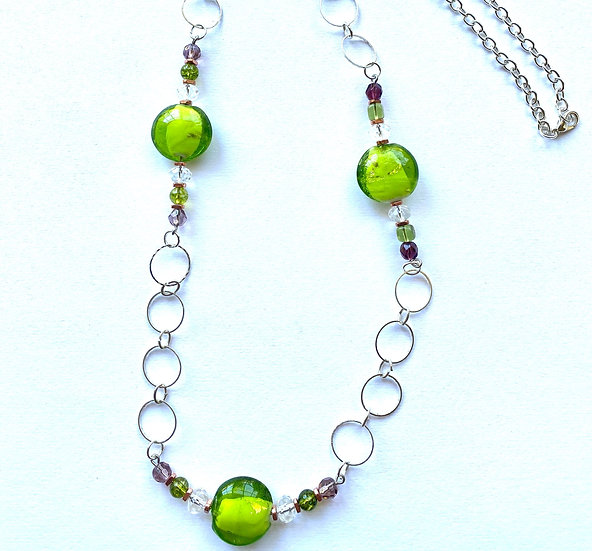 Green glass stone necklace