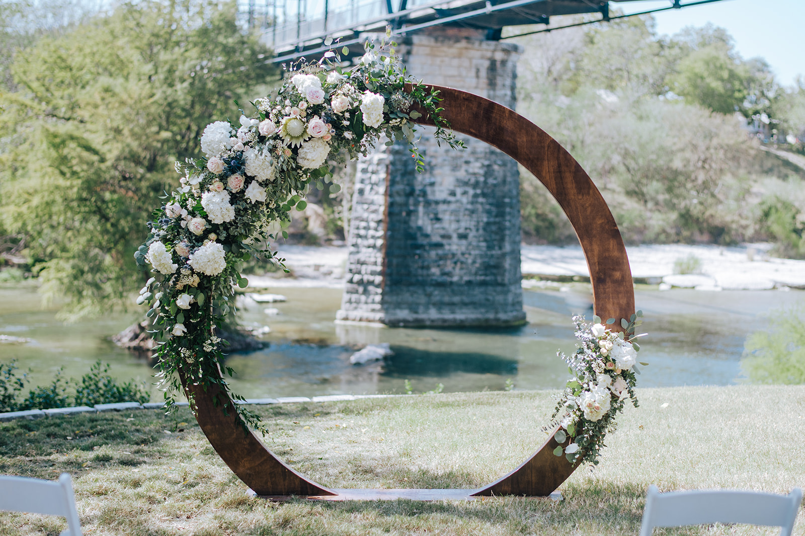 Shelby circle arch